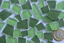 100g Glas Mosaiksteine unregelm. Grünmix Frost