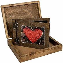 25er Holzfotoalbum mit rotem Herzen verpackt in