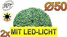 2x PREMIUM Buchs, Echtbaum-Optik, große Buchs, Buchsbaum-Halbkugel/Halbschale Durchmesser 50 cm 500 mm grün dunkelgrün, fertig montiert, auf Wunsch mit Solarbeleuchtung SOLAR LICHT BELEUCHTUNG (Zubehör) mit Terracotta Topf Plastik und stabilem Fuß (Zement) Kunstpflanzen stabile Dekobäumchen künstliche Bäume Bäumchen Kugel Buxbaumkugel + Solarlicht LED Lampe 2 Lampen Lichterbaum Kunstblume Außen- und Innendekoration Balkonsichtschutz Balkon Pflanzen Sichtschutz