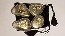4 Bergkristall Handschmeichler mit Reiki Symbolen im Säckchen