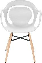 4 Stühle in Weiß Kunststoff Massivholzgestell