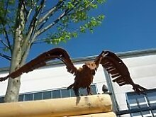 Adler, Garten Figuren, Natur Farben und Eisen