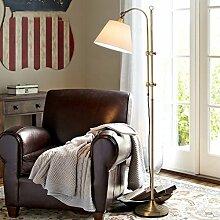 Amerikanische Stehlampe Wohnzimmer Sofa