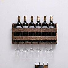 An der Wand montiertes Weinregal und