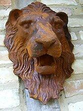 Antikas Löwenkopf - gewaltiger Löwe als