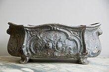 Antiker Blumentopf aus Gusseisen
