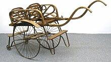 Antiker Kinderwagen für Zwillinge