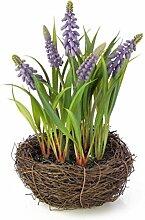 artplants - Künstliche Traubenhyazinthe im Reisig Nest, lila, 20 cm, Ø 18 cm - Kunststoff Blumen / Deko Blüten Pflanze