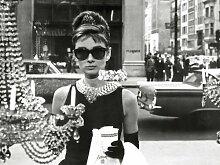 Audrey Hepburn Window, 60 x 80 cm, Leinwanddruck,