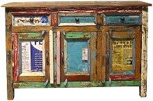 Auffälliges Sideboard im Shabby Chic Design