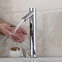 Automatische Händen berühren Badezimmer