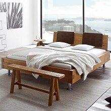 Bett aus Wildeiche massiv mit Klemmkissen