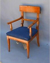 Biedermeier Armlehnstuhl aus Kirschholz, 1830er