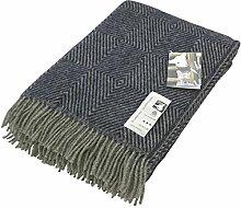 Blau-graue Fischgrat Streifen Wolldecke aus 100% skandinavischer Schurwolle, ca 130cm x 200 cm mit Fransen