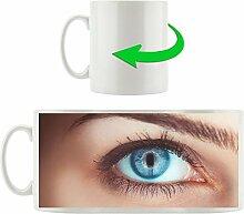 blaues Auge einer Frau, Motivtasse aus weißem Keramik 300ml, Tolle Geschenkidee zu jedem Anlass. Ihr neuer Lieblingsbecher für Kaffe, Tee und Heißgetränke.