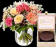 Blumenstrauß Blütengrüße mit Mini Sachertorte