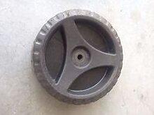 Bosch Rad für Rasenmäher F016104038
