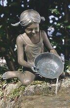 Bronzemädchen wasserspeiend Bronzefigur Skulptur echte Handarbeit Gartenskulptur Gartenfigur Garten-Statue Bronze