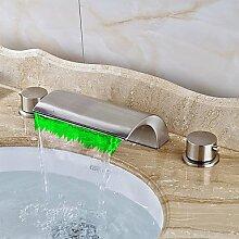 Buluke Art déco Retro verbreitete LED Wasserfall zwei Griffen drei Bohrungen Nickel gebürstet Waschbecken Wasserhahn
