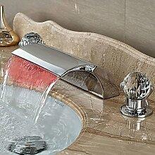Buluke Moderne verbreitete LED Wasserfall zwei Griffen drei Bohrungen Chrom Waschbecken Wasserhahn
