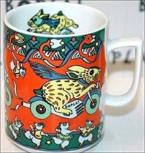BUNNY (Grundfarbe rot) HASE Häschen auf Motorrad BOPLA! Maxitasse 0,3l Serie Evolution Kaffee- Tee- Glühwein- Becher, Maxi Tasse, Mug, Maxi Taza, Maxi Cup, Maxit Taza 0,3 l, 10-1/2 fl. oz. Einzelgewicht: 302g - Geeignet für alle heißen und kalten Getränke. Ihre Geschenk-Idee zum Sammeln. Platzsparend stapelbar. In verschiedenen Dekoren und Farbvariationen zur Auswahl BOPLA Porzellan kann bunt gemischt werden und es passt immer zusammen. So sieht Ihr Tisch jeden Tag anders, jeden Tag frisch aus. Ein Schweizer Qualitätsprodukt an dem Sie lange Jahre Freude haben werden
