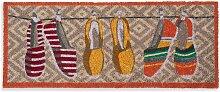 Bunte Fußmatte mit Turnschuh-Motiven, 75 x 30