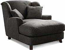 Cavadore XXL-Sessel Assado / Großer Polstersessel in schwarz mit Holzfüßen, großer Sitzfläche, Polsterung und 2 weichen Zierkissen / 109x104x145 (BxHxT)