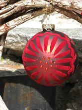 Christbaumkugel aus Glas, Samtrot mit Sonne