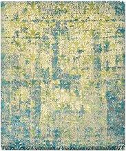 Cover Teppich in Acid Grün von Knots Rugs
