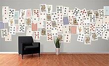 Creative Collage Spielkarten Foto-Tapete 64-teilig - Fototapete Wallpaper. Beigelegt sind eine Packung Kleber und eine Klebeanleitung.