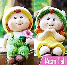 Cute Baby Girl & Boy Sitting Garden Gnome–Outdoor Ornament Decor Dekoration Geschenk Ideen