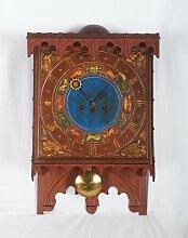 Dänische Uhr aus Holz mit Ziffernblatt in