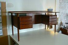 Dänischer Teak Schreibtisch von Peter