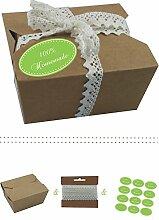 das-label | 10 x Geschenkboxen aus braunen Kraftkarton mit maigruen-creme Aufkleber 10 x 100% HOMEMADE + Häkelspitze | Naturboxen als Geschenkverpackung oder Transportbox für Kuchen | Cupcakes | Pralinen | Kekse und viel mehr