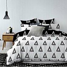 DecoKing 84557 Bettwäsche 200x200 cm mit 2 Kissenbezügen 80x80 schwarz weiß geometrisches Muster Bettbezüge Microfaser Bettwäschegarnituren black white Hypnosis Collection Triumph
