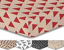 DecoKing Premium 94327 Spannbettlaken 200x220 cm Steg 30 cm weiß geometrisches Muster Dreiecke Spannbetttuch Microfaser white bordeaux dunkelrot rot Burgund burgundy Hypnosis Triangles 1