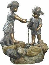 Dehner Polyresin Brunnen Kinder mit LED Beleuchtung, ca. 76 x 61 x 44.5 cm, 12 kg
