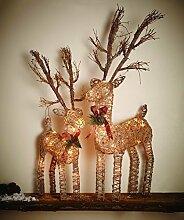 Deko Figur Weihnachten Rentier beleuchtet Weihnachtsdeko | wunderschön gearbeitetes Rentier aus Rattan und Metal | mit warmweißer Beleuchtung mit 35 LED und Timer Funktion für auto ein aus |