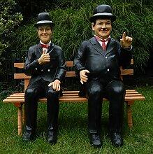 Dekorationsfigur Dick und Doof H 60 cm auf der Bank Figur aus Kunstharz