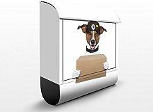 Design Briefkasten I Hund mit Paket | Tiere Hunde Haustier Post Weiß, Postkasten mit Zeitungsrolle, Wandbriefkasten, Mailbox, Letterbox, Briefkastenanlage, Dekorfolie
