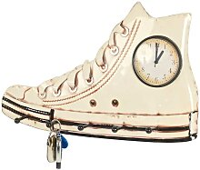 Design Garderobe  in Creme Sneaker Design Metall