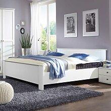 Doppelbett im Landhausstil Made in Germany
