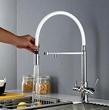 Drei-Wege-Küchenarmatur mit sauberem Wasser und