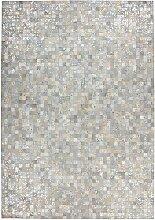 Echtfell Patchwork Teppich in hell Grau und