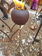 Edelrost Gartenfackel Kugel für Bioethanol