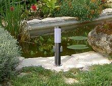 Edelstahl Außenleuchte / Außenlampe / Standleuchte / Standlampe / Wegelampe / Wegeleuchte / Gartenlampe / Gartenleuchte / Parklampe / Parkleuchte / Rasenlampe / Rasenleuchte mit zwei eingebauten Steckdosen und inkl. LED Energiesparlampe 7 Wa