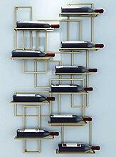 Einfaches und modernes Weinregal an der Wand
