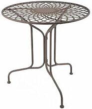 Eisentisch: Romantische Gartenmöbel mit