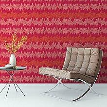 Elegante Streifentapete mit Federn in rot Tönen