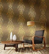 Elegante Tapete mit goldenen Stickereien auf